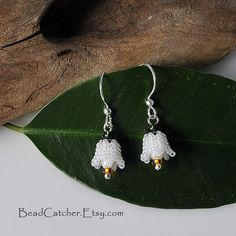 Lily of the valley beadwoven earrings by BeadCatcher on Etsy