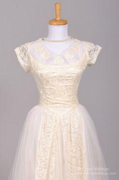 1950's Appliqued Lace Tulle Vintage Wedding Gown : Mill Crest Vintage