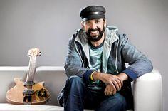 Juan Luis Guerra, cantante, compositor y productor de música de República Dominicana.