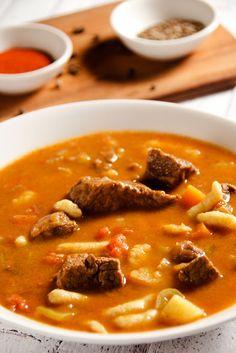 Węgierska zupa gulaszowa | Pobitegary Polish Recipes, New Recipes, Soup Recipes, Cooking Recipes, Favorite Recipes, B Food, Food Porn, I Love Food, Good Food