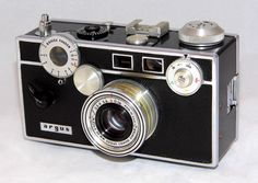 https://flic.kr/p/QUwYUN | Vintage Argus C3 Colormatic 5-Speed 35mm Rangefinder Camera (aka The Brick), Made from 1939 To 1966 In Ann Arbor, Michigan, United States
