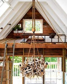 Located on the premises of Camp Wandawega in Elkhorn, Wisconsin (a 1920s lakeside resort revitalized by husband/wife team David Hernandez and Tereasa Surratt), the just-completed Wandawega Tree House is now available for vacation rentals.