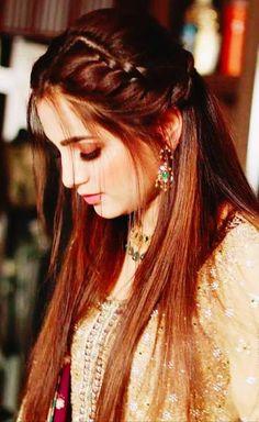 Bridal Hairstyle Indian Wedding, Bridal Hair Buns, Indian Bridal Hairstyles, Hairstyles For Gowns, Open Hairstyles, Bride Hairstyles, Long Hair Wedding Styles, Front Hair Styles, Medium Hair Styles