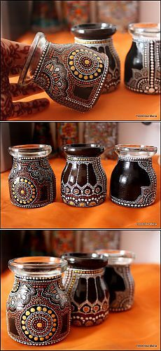 Greek site with awesome dot painted spice jars, bottles etc...Баночки для специй.