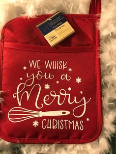 Personalized Oven Mitt pot holder (WE Whisk you a Merry Christmas) Merry Christmas Photos, Christmas Gifts For Friends, Personalized Christmas Gifts, Holiday Gifts, Christmas Projects, Red Christmas, Christmas Ideas, Printable Christmas Cards, Teacher Gifts