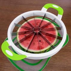 Inspire Uplift The Perfect Slicer Fruits & Vegetables Slicer Watermelon Cutter, Watermelon Slicer, Cool Kitchen Gadgets, Cool Kitchens, Kitchen Stuff, Kitchen Tools, Kitchen Ideas, Eau Voss, Jugo Natural