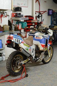 Dual Sport and Adventure motorcycles Moto Enduro, Moto Bike, Scrambler, Enduro Vintage, Vintage Bikes, Rallye Paris Dakar, Rallye Raid, Honda Africa Twin, Motorcycle Images