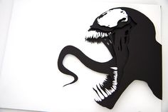 VENOM - Marvel (Luvisi) 12x16 - handcut 3D papercraft by Willpigg. Just amazing. Click to see detailed images of the layering.