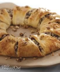 Caramel Apple and Pecan Pastry Ring (A Cooking Show Recipe from Pampered Chef)