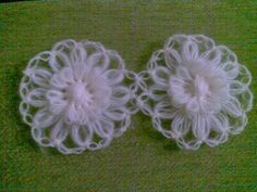 This Pin was discovered by Sev Loom Flowers, Crochet Flowers, Crochet Baby, Crochet Top, Hooded Cowl, Hairpin Lace, Loom Knitting, String Art, Hair Pins