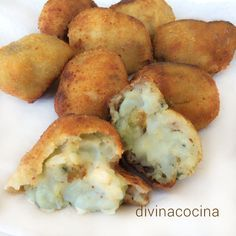 You searched for Croquetas - Divina Cocina Good Healthy Recipes, Great Recipes, Vegetarian Recipes, Cooking Recipes, Favorite Recipes, Yummy Snacks, Yummy Food, Tasty, Mozzarella