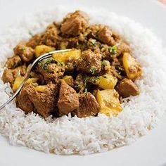 Cape Malay lamb curry by the legendary Cass Abrahams. It's made with lamb and a host of Malay spices and served with Jasmine rice or rotis. (I bet goat would also be fabulous in this. Lamb Recipes, Meat Recipes, Cooking Recipes, Healthy Recipes, Recipies, Fish Recipes, Chicken Recipes, Lamb Dishes, Curry Dishes