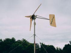 DIY - Windenergie - Bau dir dein eigenes Windrad! Blowing Wind, Off Grid Batteries, Background Information, Neodymium Magnets, Wooden Hand, Wind Power, Wind Turbine, Workshop, Collage