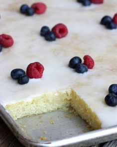ALMOND SHEET CAKE This cake is amazing!! It's like a Texas sheet cake but with almond flavor. RECIPE HERE—>>>