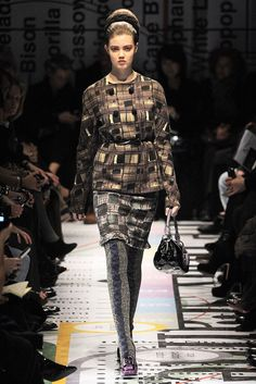 See the complete Prada Fall 2010 Ready-to-Wear collection.