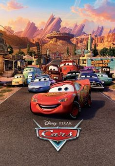 Fotomural W2PL CARS 001, mural infantil de Cars, con imagen de los diferentes coches mirando al frente.