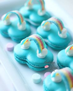 Over the Rainbow Macarons. Tutorial plus FREE cloud template 💕