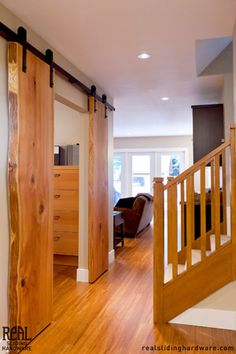 Log-Plank-Barn-Door ... an awesome idea for our log home!