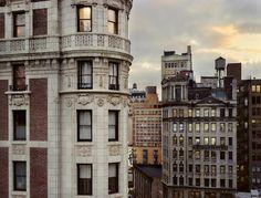 """Schönes Fotoprojekt von Gail Albert Halaban namens """"Out My Window"""", was doch etwas anders gemeint ist, als man es auf den ersten Blick vermuten würde."""