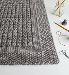 Little things to knit, stitch and craft