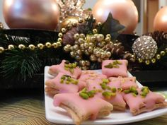 saftiger mohnstrudel German Baking, Merry Christmas, Xmas, Truffles, Cookie Recipes, Food And Drink, Cookies, Table Decorations, Desserts