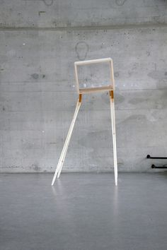 krgkrg:  Flexi Shelf by Lina Marie Koeppen, with a rubber section in each leg