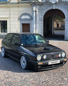 Your family's car SUVs, which we know for their sportier appearance, fall into the category of pickup trucks. The SUV, … Volkswagen Golf Mk2, Vw Cars, Audi Cars, Jetta A4, Laughing Funny, Models Men, Mini Car, Aston Martin Lagonda, Vw Vintage