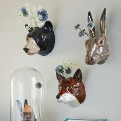 Cabezas de animales de peluche o de cartón, Home Accessories, Ceramic Animal Wall Vases - Vases & Plant Pots - Home Accents - I am dying to have that rabbit! Casa Hipster, Hipster Home, Hipster Style, Hipster Fashion, Cerámica Ideas, Faux Taxidermy, Ceramic Animals, Paperclay, Home Trends