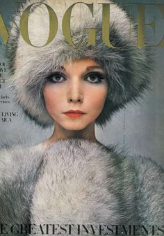Penelope Tree featured on the cover of Vogue magazine Vogue Magazine Covers, Fashion Magazine Cover, Fashion Cover, 1960s Fashion, Fashion Models, Vintage Fashion, Fur Fashion, Fashion Images, Vogue Fashion