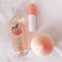 Image about peach in Waaaant🌚💞 by Luz Ma on We Heart It aesthetic Image about pink in Waaaant🌚💞 by Luz Ma on We Heart It Beauty Skin, Beauty Makeup, Makeup Kit, Mascara Hacks, Peach Aesthetic, Korean Aesthetic, Aesthetic Pastel, Aesthetic Vintage, Aesthetic Girl