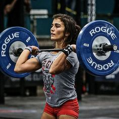 Adding Bodybuilding and Strength Exercises into CrossFit is a great way to improve your physique and all round fitness for performance. Crossfit Motivation, Crossfit Women, Crossfit Athletes, Crossfit Chicks, Bodybuilding Supplements, Bodybuilding Workouts, Women's Bodybuilding, Fitness Goals, Fitness Tips