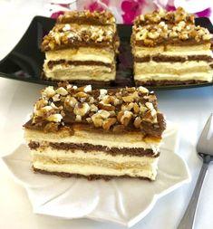 Snikers bez pieczenia - Blog z apetytem Cold Desserts, Italian Desserts, Pineapple Coconut Bread, Nutella, Fun Deserts, Polish Recipes, Polish Food, Food Design, Sweet Recipes