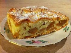 """Prăjitură rapidă cu mere """"Leneșă"""" - un desert suculent și foarte gingaș, care dispare din farfurie în câteva secunde! - Bucatarul Baking Recipes, Cake Recipes, Romanian Food, Russian Recipes, Kefir, No Bake Desserts, Baked Goods, Bakery, Deserts"""