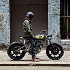 "livingby: ""Via @bikeexif #motorcycle #motorcycleporn #brat #caferacer #caferacerworld #caferacerculture (em New York City) """