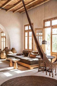 Sonha, quer se inspirar ou só quer ver um dos hotéis mais lindos de praia do mundo? Então vem cá ver as fotos do Scorpions em Mykonos e se esbaldar!