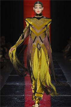 Sfilata Jean Paul Gaultier Paris - Alta Moda Autunno-Inverno 2012-13 - Vogue