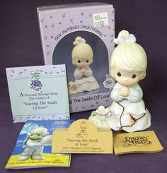 Precious Moments SEWING THE SEEDS OF LOVE Girl with Flower PM 922 Members 1992 #Enesco #SowingtheSeedsofLove