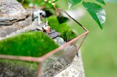 Geometric glass terrarium WANDERLUST with tiny people #Upcycling  #moss  #stained glass #succulents #outdoorlovers