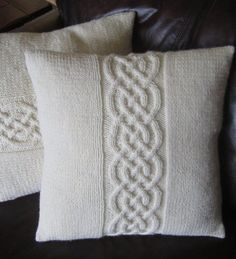 Cable knit pillow cover pattern, knit pattern pdf, Celtic knot cable and pillow cover - PDF KNITTING PATTERN Knitted Cushion Covers, Cushion Cover Pattern, Knitted Cushions, Crochet Home, Knit Crochet, Crochet Pillow, Knot Pillow, Knot Cushion, How To Start Knitting