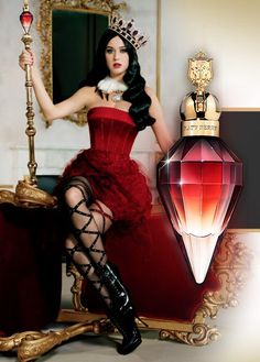 Katy Perry's Killer Queen Perfume / . Top notes include wild berries, dark plum and bergamot accords. The main note of the heart is velvety red flower (Celosia), but there are also Sambac jasmine and rainbow plumeria. The base contains cashmere, patchouli and liquid praline.