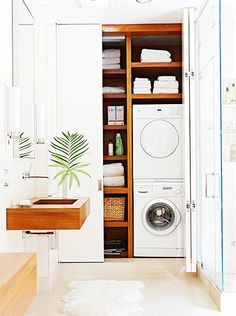 Best 20 Laundry Room Makeovers - Organization and Home Decor Laundry room organization Laundry room decor Small laundry room ideas Farmhouse laundry room Laundry room shelves Laundry closet Kitchen Short People Freezer Shiplap Small Laundry Rooms, Laundry Room Organization, Laundry Room Design, Laundry In Bathroom, Hidden Laundry, Laundry Cupboard, Laundry Area, Organization Ideas, Laundry Center