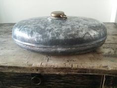 Bekijk dit items in mijn Etsy shop https://www.etsy.com/nl/listing/269941045/antique-french-hot-water-bottle-19201930