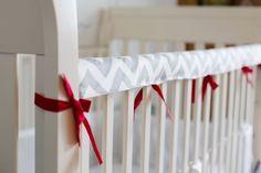 Easy DIY fabric crib teething rail guard tutorial suitable for beginners.