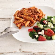 Easy pasta with salad! #easydinner #chicascooking #foodies #salad #pasta