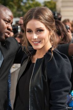 celebrity gossip site with the latest entertainment news, hollywood gossip, gossip girls, and videos of your favorite stars and celebrities. Beauty Makeup, Hair Makeup, Hair Beauty, Fringe Hairstyles, Pretty Hairstyles, Style Olivia Palermo, Hair Romance, Wedding Guest Hairstyles, Light Brown Hair