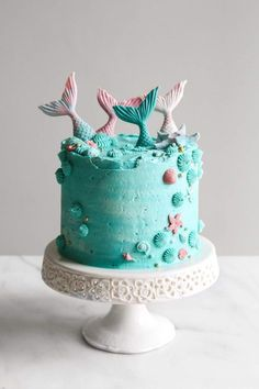 Amazing Mermaid Birthday Cake Ideas – Pineapple Paper Co. Funfetti Kuchen, Funfetti Cake, Oreo Cake, Mermaid Birthday Cakes, Mermaid Cakes, Chocolate Molds, Chocolate Cake, White Chocolate, Whipped Buttercream