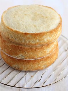 How to Bake Flat Cake Layers from completelydelicious.com by Completely Delicious, via Flickr