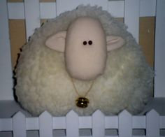 . Sheep, Headbands, Diy Ideas, Craft Ideas, Diy Projects, Diy Crafts, Colours, Felting, Brooches