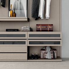 Sectional melamine-faced chipboard walk-in wardrobe PROJECT UP 01 Emotion up Collection By Dall'Agnese Walk In Wardrobe, Bedroom Wardrobe, Walk In Closet, Bedroom Closet Doors Sliding, Loft Closet, Wardrobe Interior Design, Shelter Design, Wardrobe Drawers, Luxury Closet