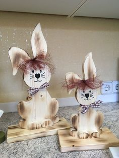 Ostern – Vera Schürmann – – World Spring Projects, Easter Projects, Easter Crafts For Kids, Spring Crafts, Holiday Crafts, Wood Log Crafts, Diy Easter Decorations, Bunny Crafts, Easter Holidays